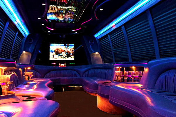 Philadelphia 18 Passenger Party Bus